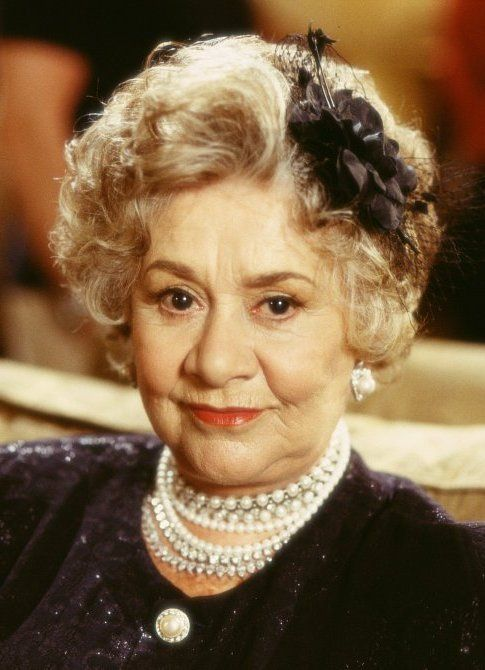 joan plowright net worth