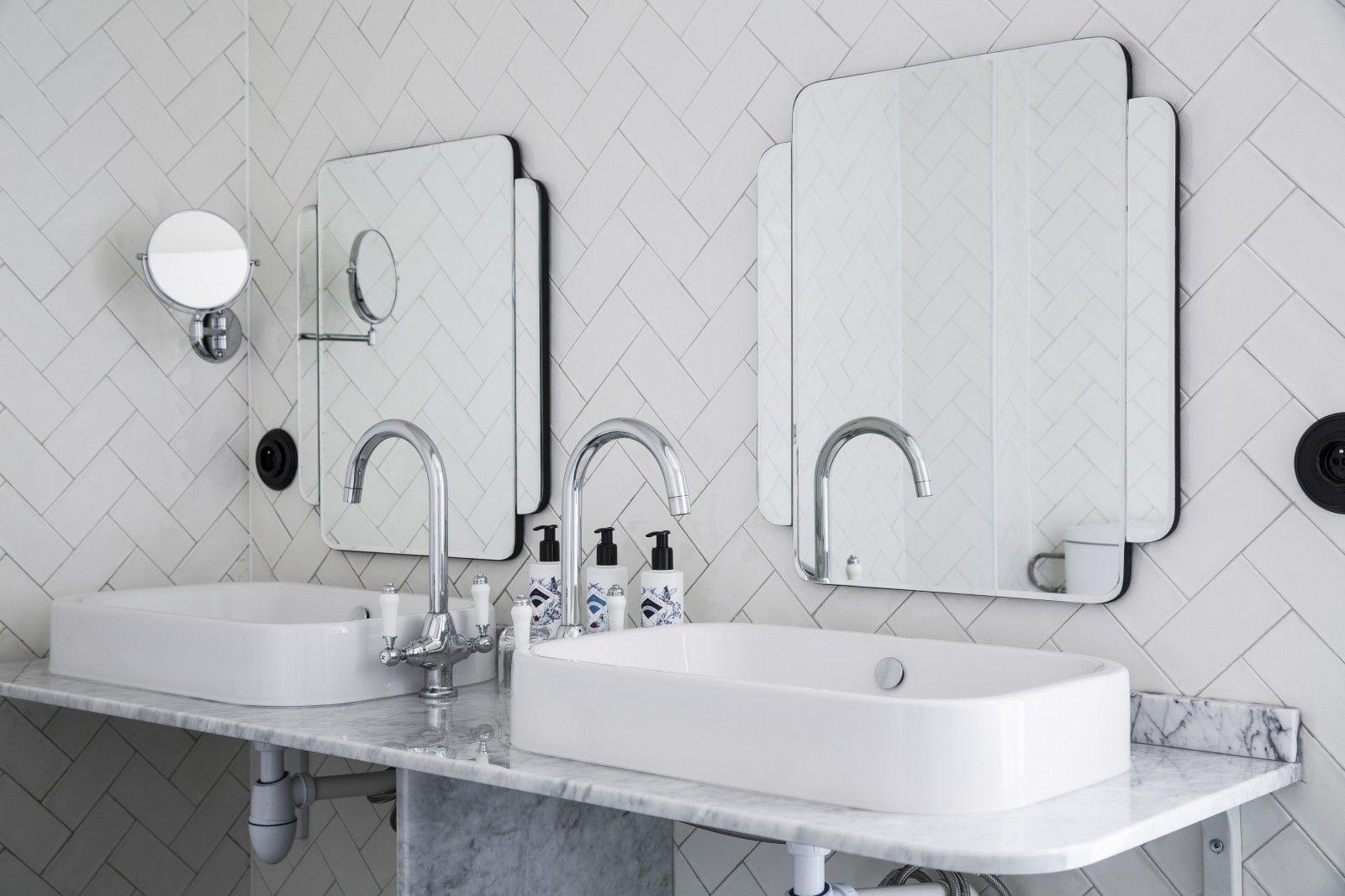 Art Deco Badkamer : Bathroom sdb badkamer and tegels