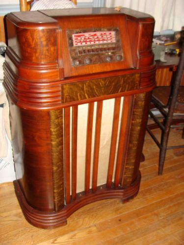 Antique Vintage Philco Wood Tube Radio Short Wave Console Floor Model