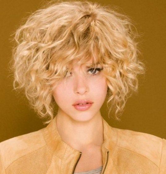 Épinglé par Constance Thiébault sur Hair Style Ideas