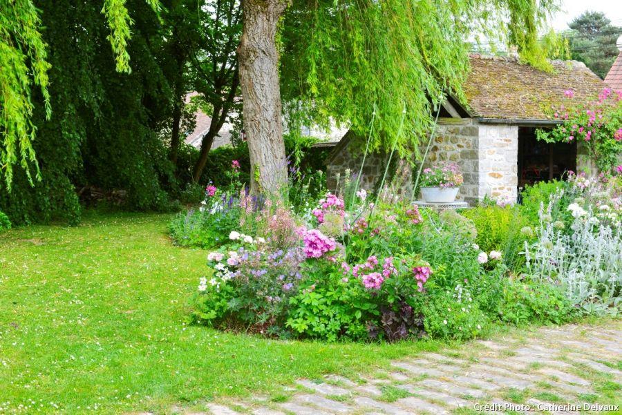 Un Jardin De Campagne En Region Parisienne Jardins Detente