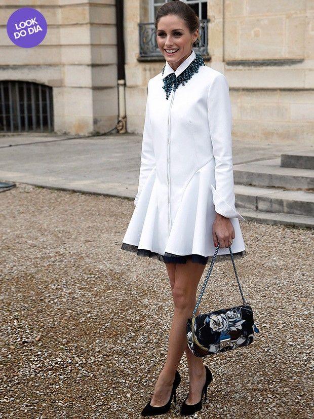 Nesta sexta, 28, Olivia Palermo apareceu - como sempre - com um look lindo de morrer no desfile de lançamento da coleção Outono/Inverno 2014/2015 da marca de Christian Dior. A socialite escolheu para a ocasião um vestido branco com saia rodada e tule preto, no maior estilo ladylike - o preferido de Olivia.