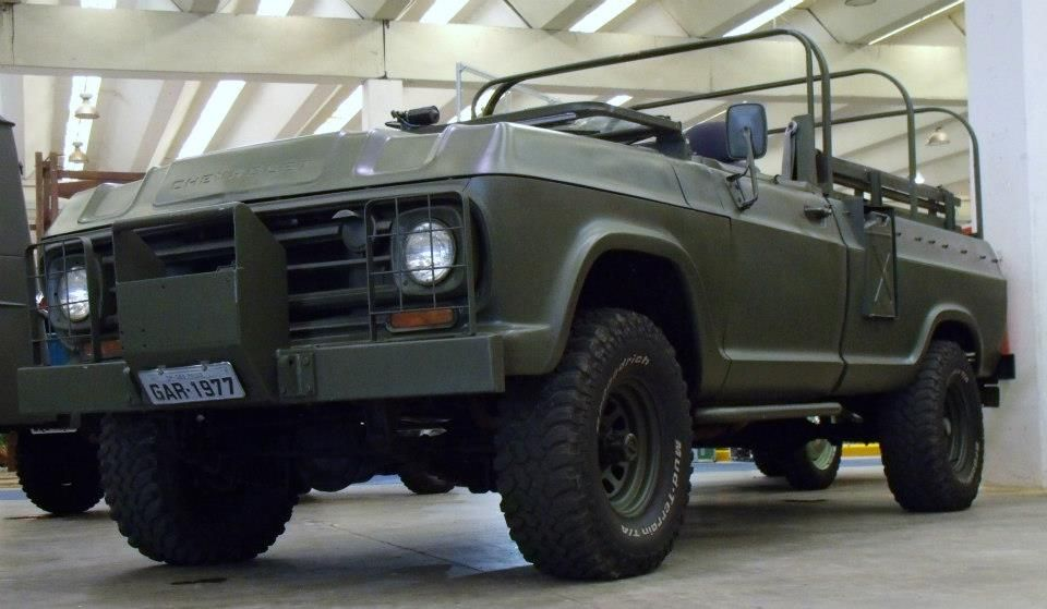 PICK-UP CHEVROLET C15 4X4 WITH PULL ENGESA MADE IN BRAZIL FOR BRAZILIAN ARMY.
