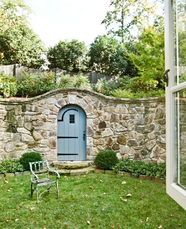 mauer aus steinen bauen als zaun außenarchitektur | mauer, Gartenarbeit ideen