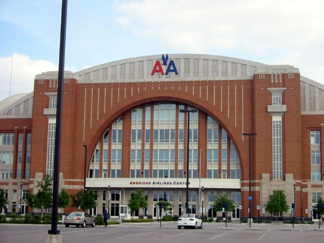 12 Unmissable Concerts In Dallas This Weekend American Airlines Center Dallas Travel Nba Arenas