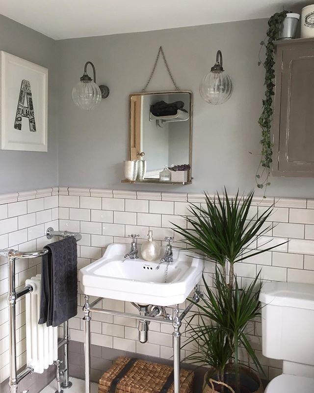 Metro Flat White Gloss Wall Tiles 10x20cm Cottage Bathroom