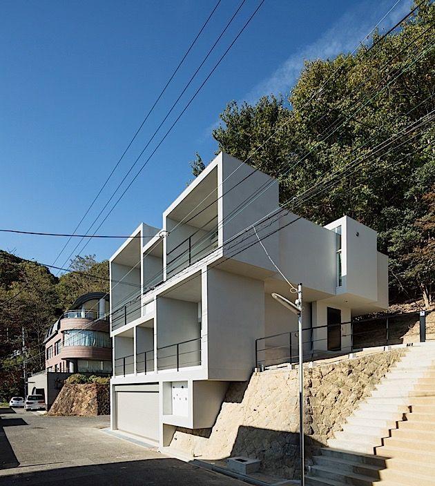 Family House In Kobe/Japan