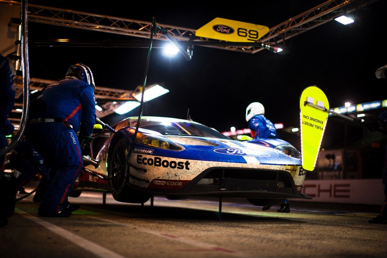 Ford Gt Wins Class At 24 Hours Of Le Mans 2016 World Endurance