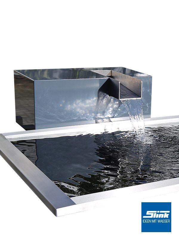 Der Wasserfall-Gartenbrunnen Kjaer aus Aluminium mit einem