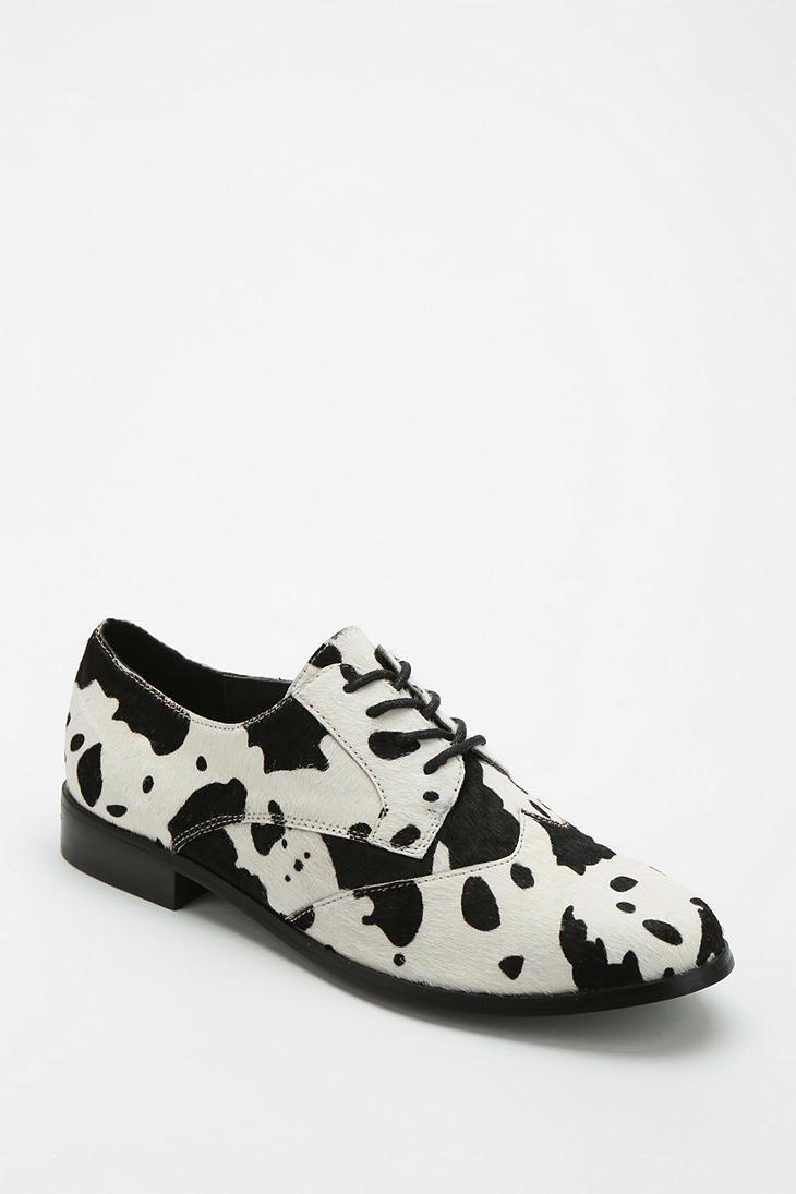 Shellys London Cow Print Oxford #hexmex #cow #shoes