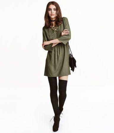 buy popular official half price Robe avec laçage | Vert kaki | Femme | H&M CA | Look Book ...