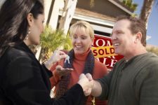 6 ways to improve your odds with a contingent sale offer......    http://www.kensingtonrealestatebrokerage.com/agents/TiffanyWetherbee    Tiffany@Kensingtonrealestatebrokerage.com