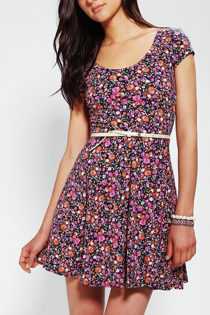 Kimchi Blue Knit Floral Skater Dress -- \\\