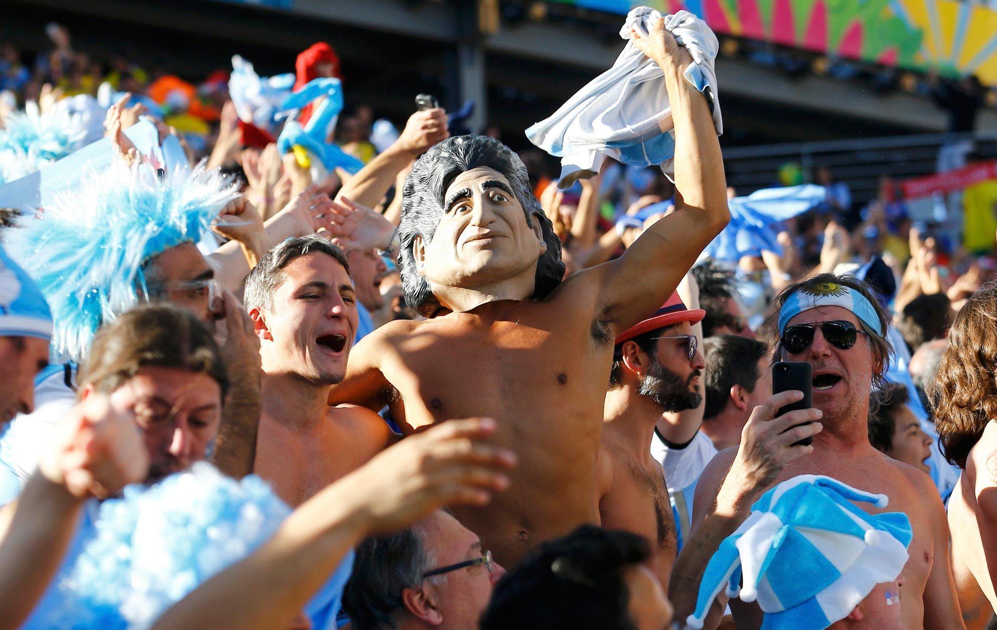 Torcida argentina para matéria sobre rivalidade na Copa #dECObertura