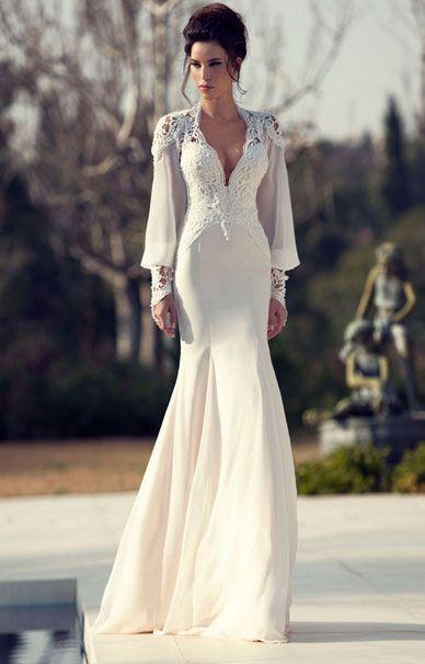Платья с декольте свадебные