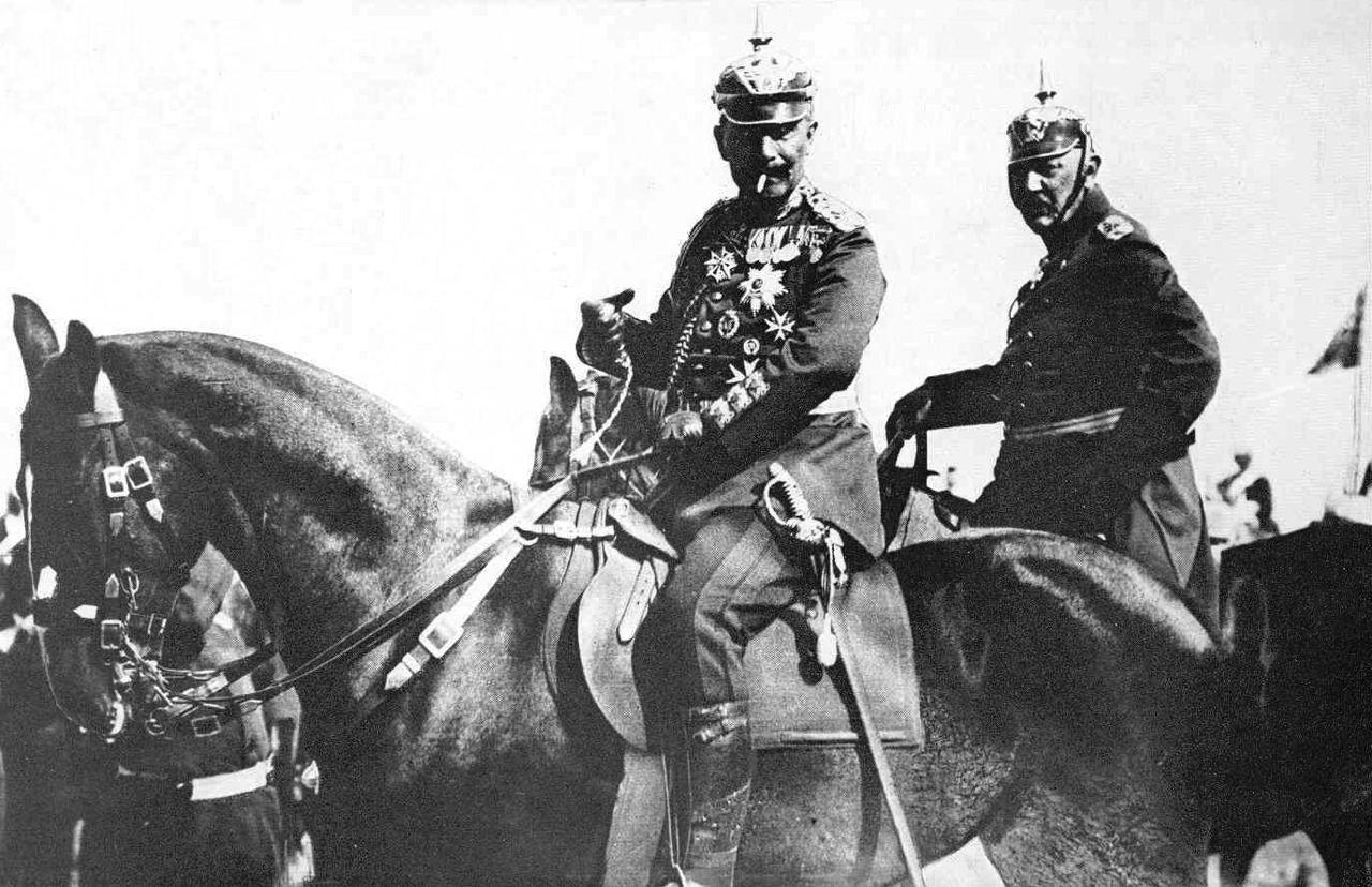 historyfan: Kaiser Guglielmo II e Helmuth von Moltke (Capo di Stato Maggiore tedesco).  1906-1914.