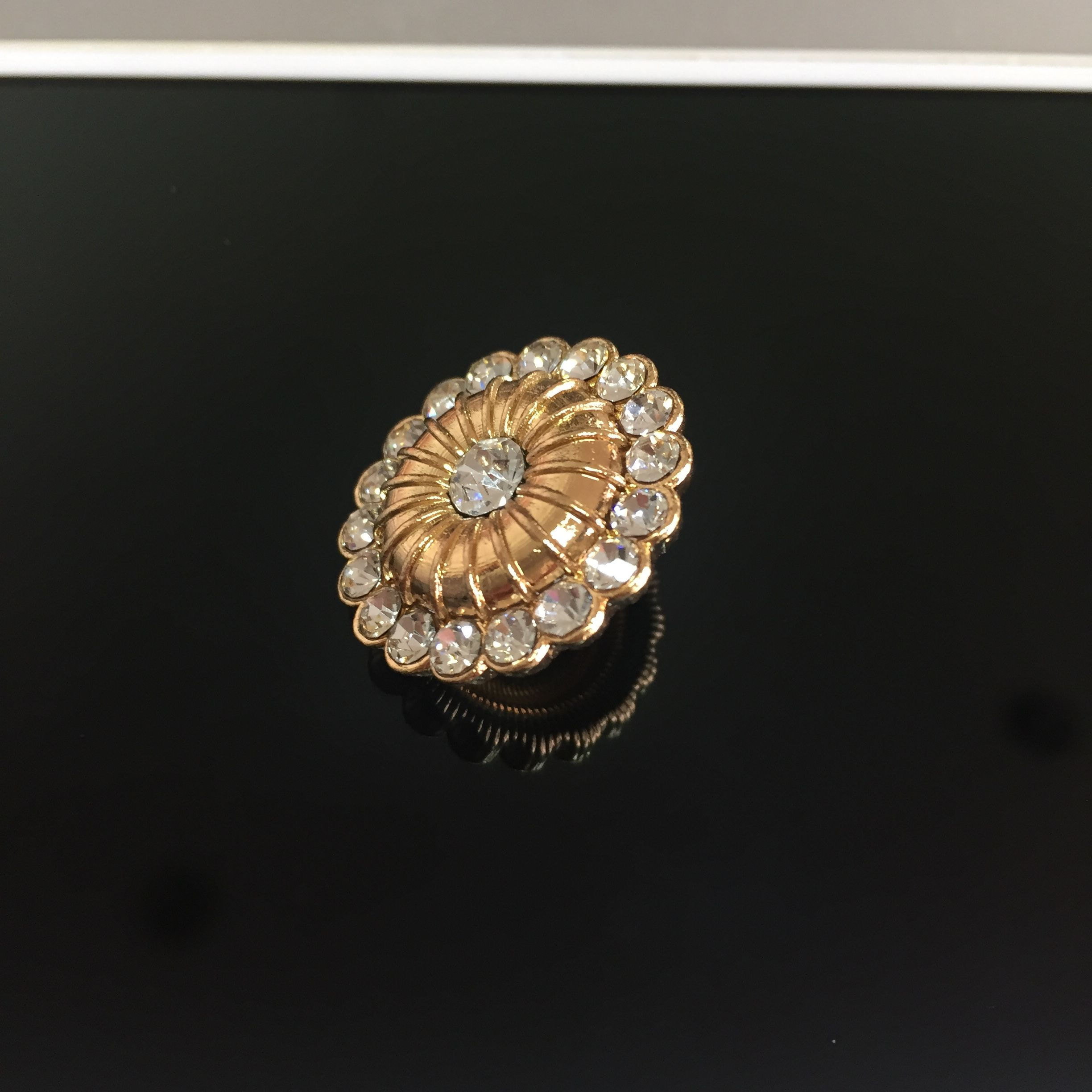 Wedding decorations accessories  Absolutely fancy and elegant rhinestone buttonsFeaturing refined