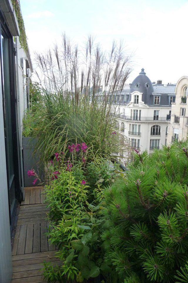 balcon en ville conseils pour un petit balcon avec plantes paysagiste en ville et balcons. Black Bedroom Furniture Sets. Home Design Ideas