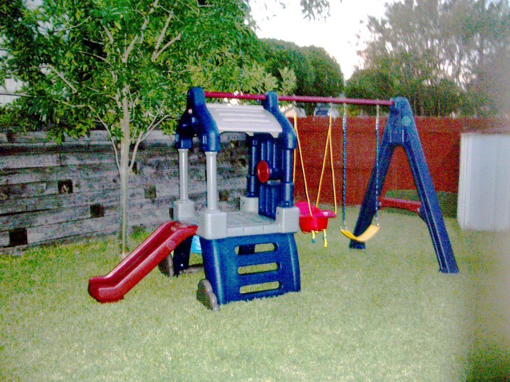 Back yard playsets idea decoration ideas decoration for Little tikes outdoor playset