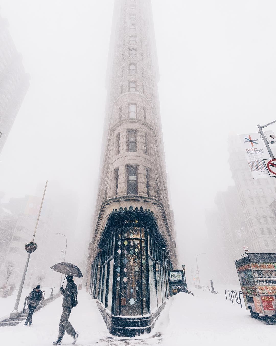 Flat In New York: The Historic Flatiron Building In New York City, New York