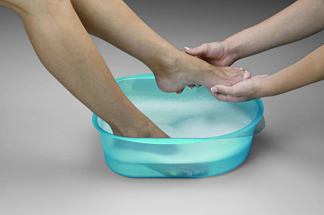feet soak in Belava pedicure tub  lightweight tub for