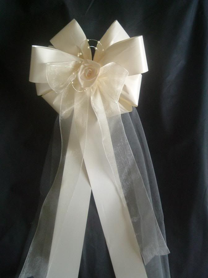 Decorating Diva Tips: Guide to Wedding Bows: Pew Bows Made Easy ...