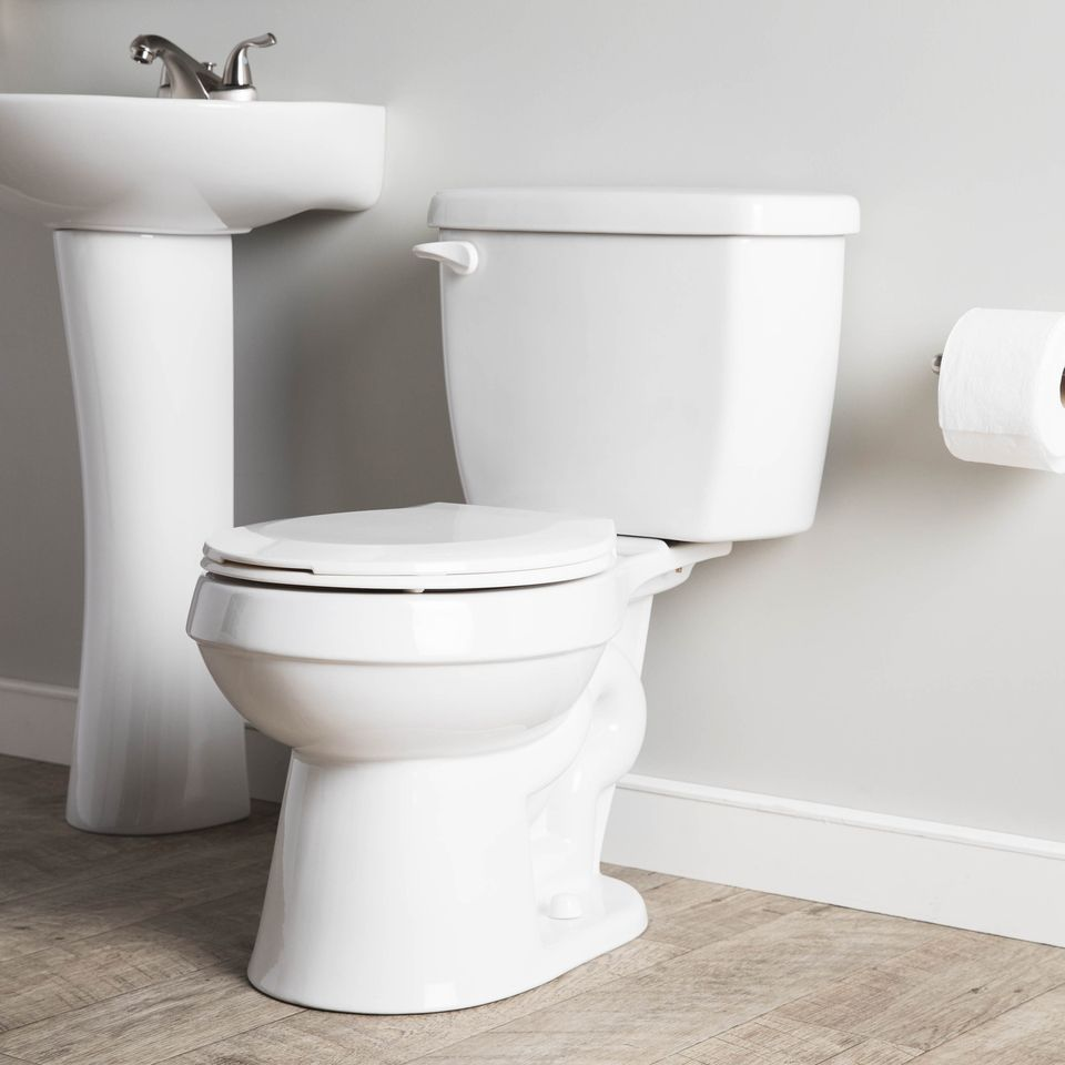 Shop Project Source High Efficiency White Watersense Labeled Round Standard Height 2 Piece Toilet 12 In Rough In Size At Lowes Co Toilet Water Sense Efficiency