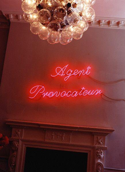 #neon #agentprovocateur