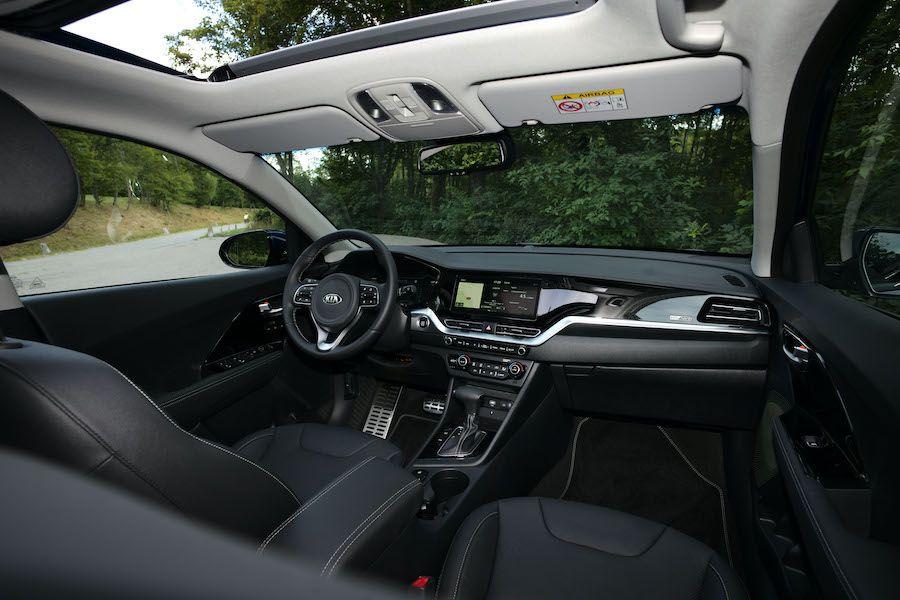 Was Kann Der Neue Kia Niro Hybrid Ein Verbrauch Von 3 8 L 100 Km Verspricht Der Hersteller Und Hat Sonst Au In 2020 Leichtmetallfelgen Elektrofahrzeug Led Tagfahrlicht