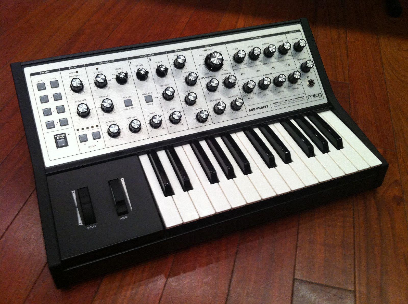 Moog Sub Phatty Analog Bass Synth 25 Key W Sub Oscillator MIDI CV