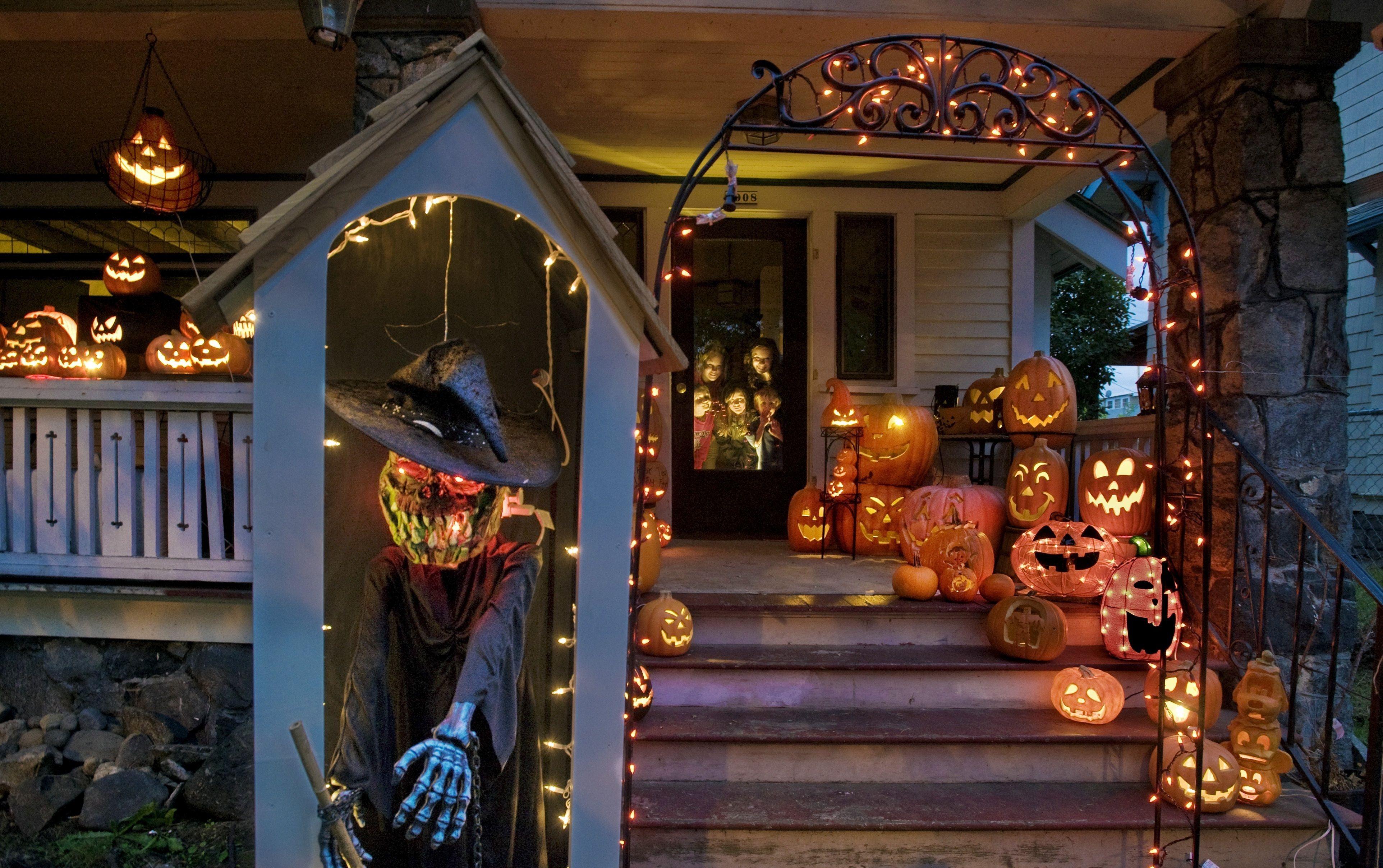 Halloween Decor, Halloween Decoration Ideas, Halloween Front Door Decorations