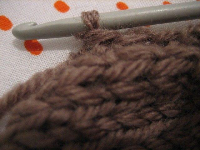 Crochet au bord de l echarpe pour qu elle ne s enroule pas