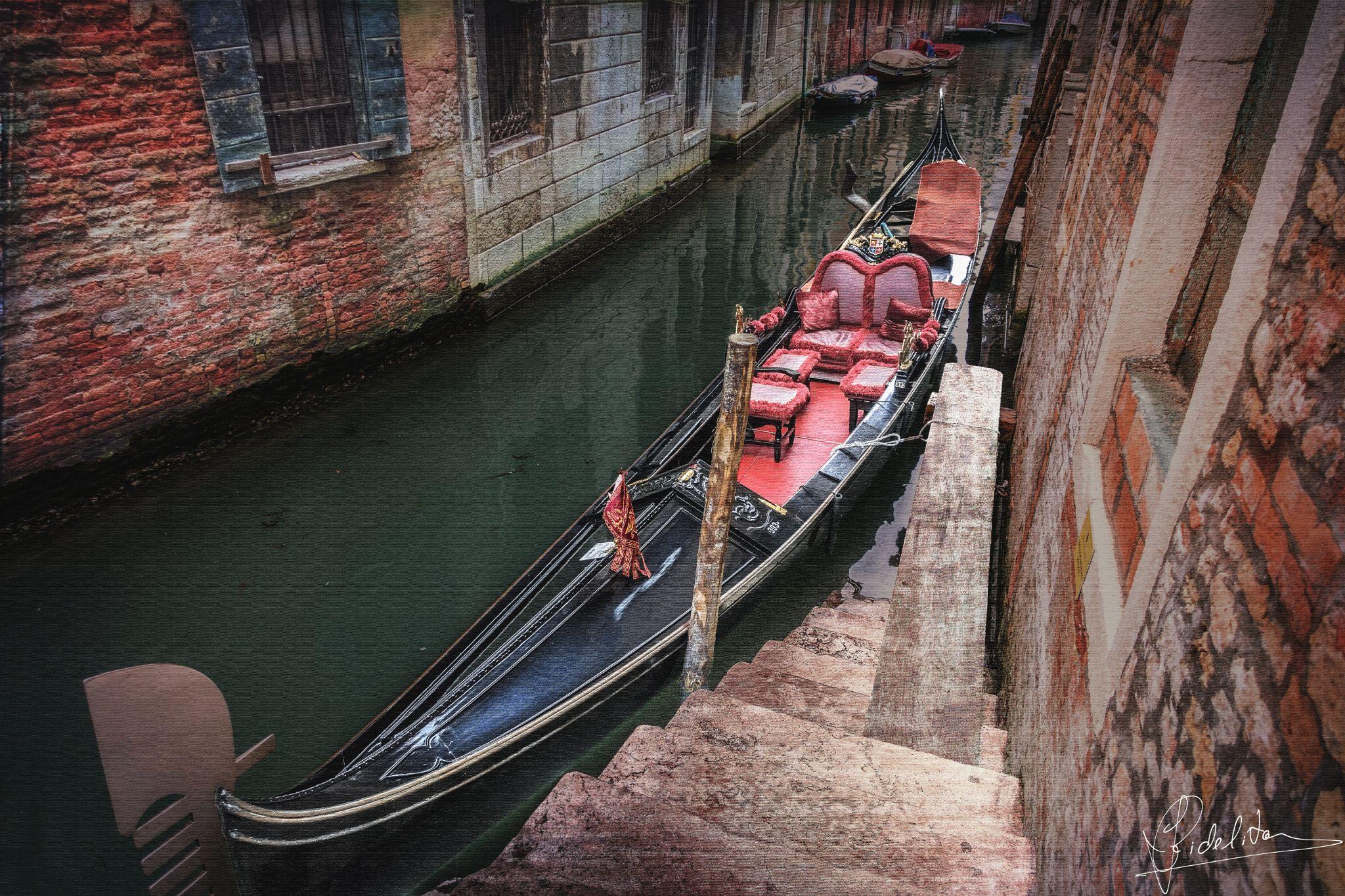 Venezia Awaits (Venice)-final - Venezia Awaits (Venice)-final