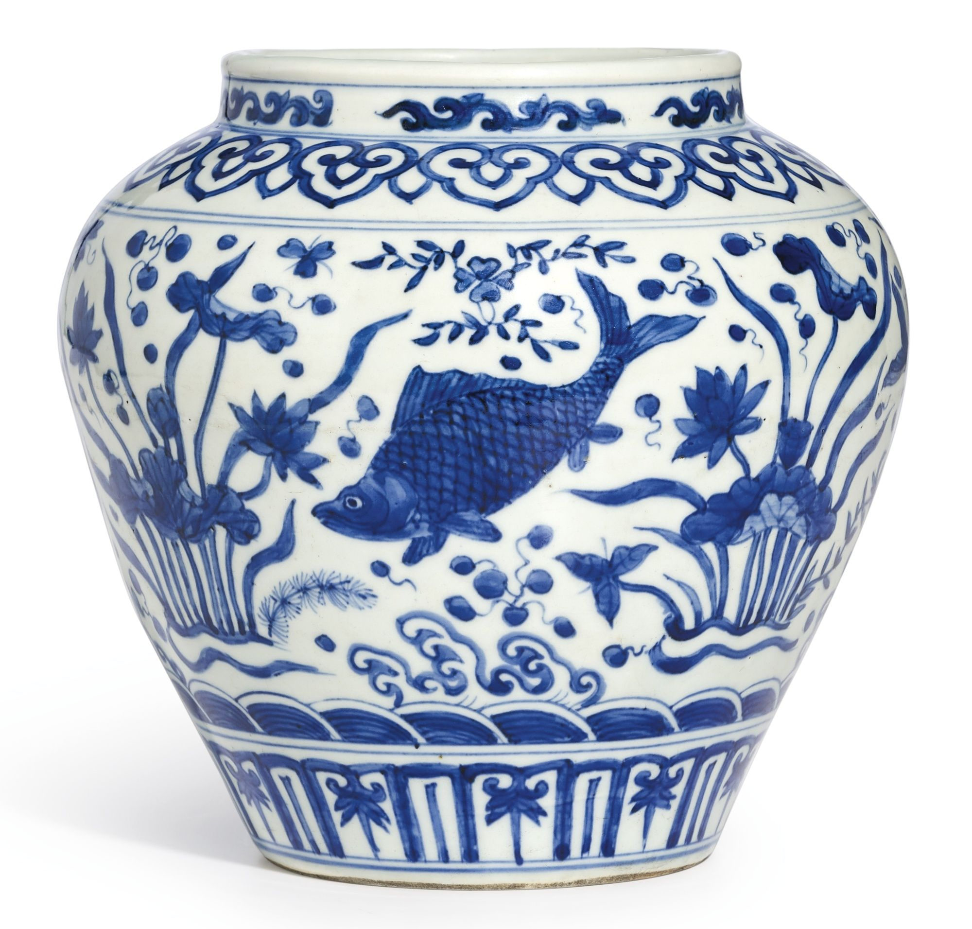 A BLUE AND WHITE 'FISH' JAR MARK AND PERIOD OF JIAJING  lot  Sotheby's  도자기