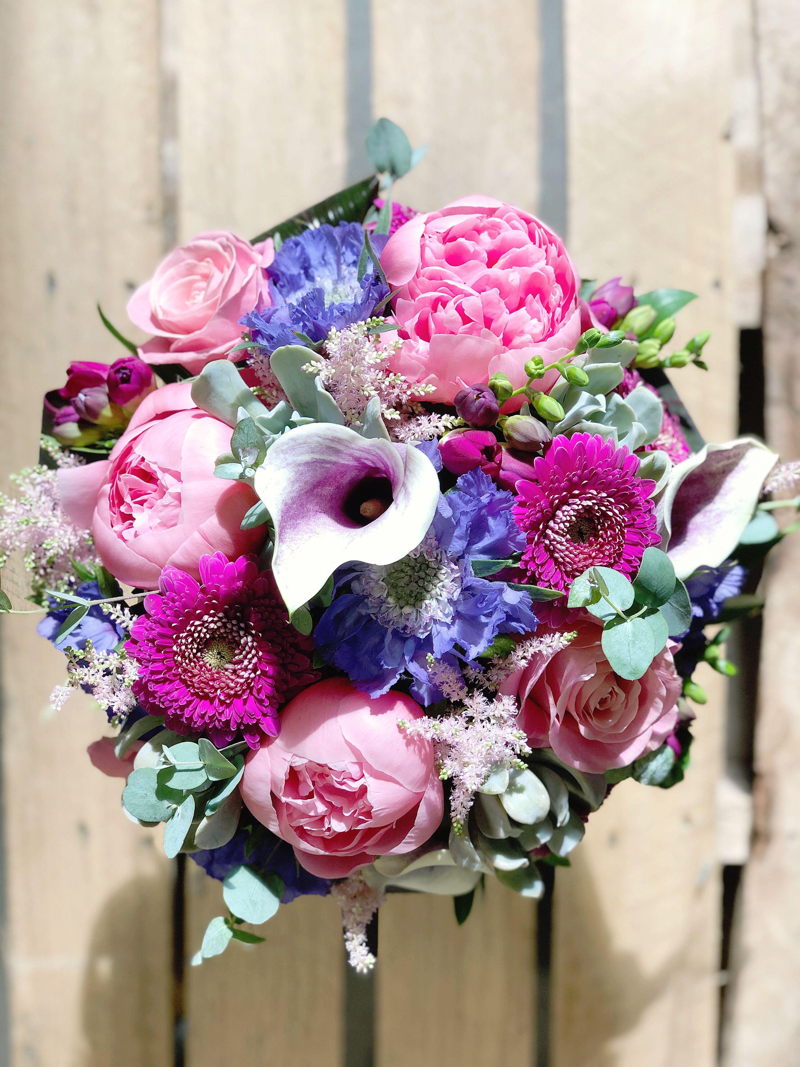 Pin By Art Knapp Kamloops On Floral Arrangements By Art Knapps Floral Wreath Floral Arrangements Floral