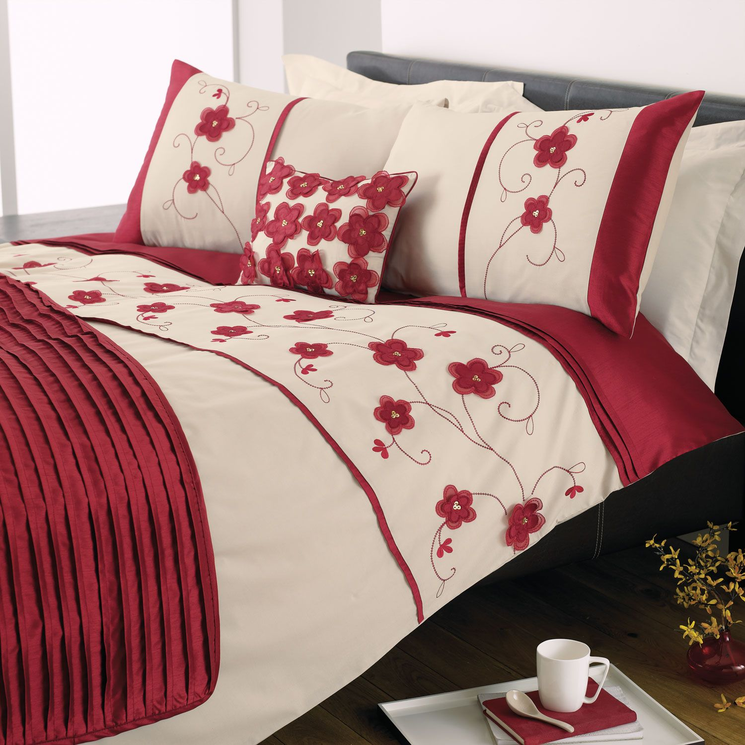 Macy Floral Duvet Cover Sets, Red Super King Red