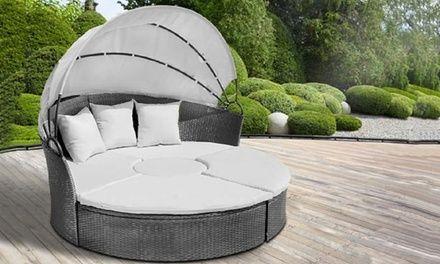 Met del divano pu essere separato ottendendo 2 sgabelli e un tavolo centraleoggi groupon offre for Groupon divano letto