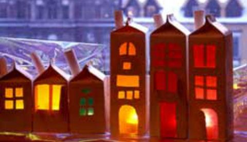 Leuchtende laternen aus milcht ten lichter h user basteln basteln weihnachten und basteln - Leuchtende weihnachtsdeko ...