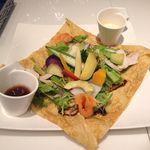 ロカンダ - 料理写真:たっぷり野菜のサラダクレープ