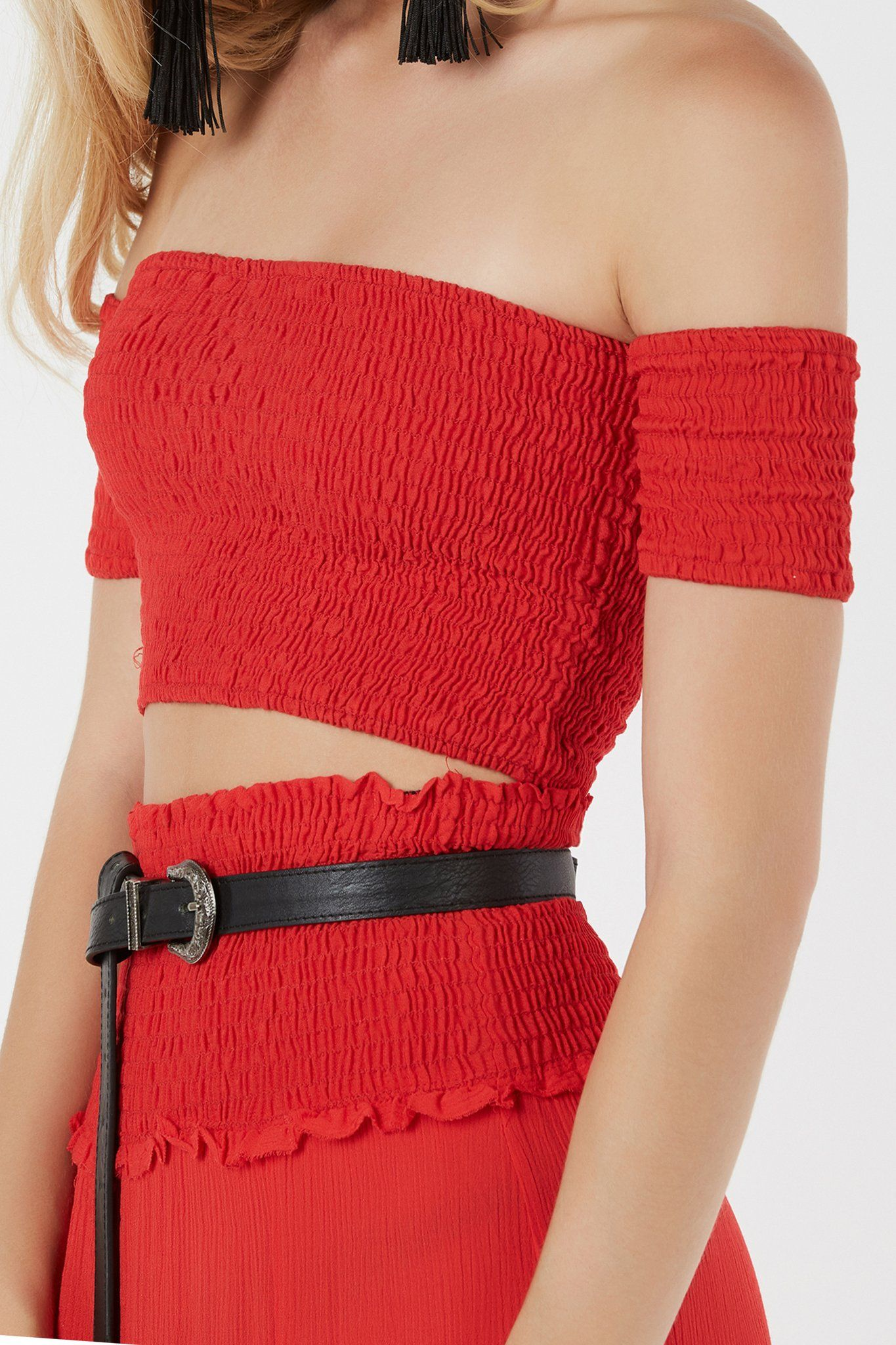 Classic off shoulder crop top with bodycon fit. Elasticized all around with  straight hem finish. 9e826738de08