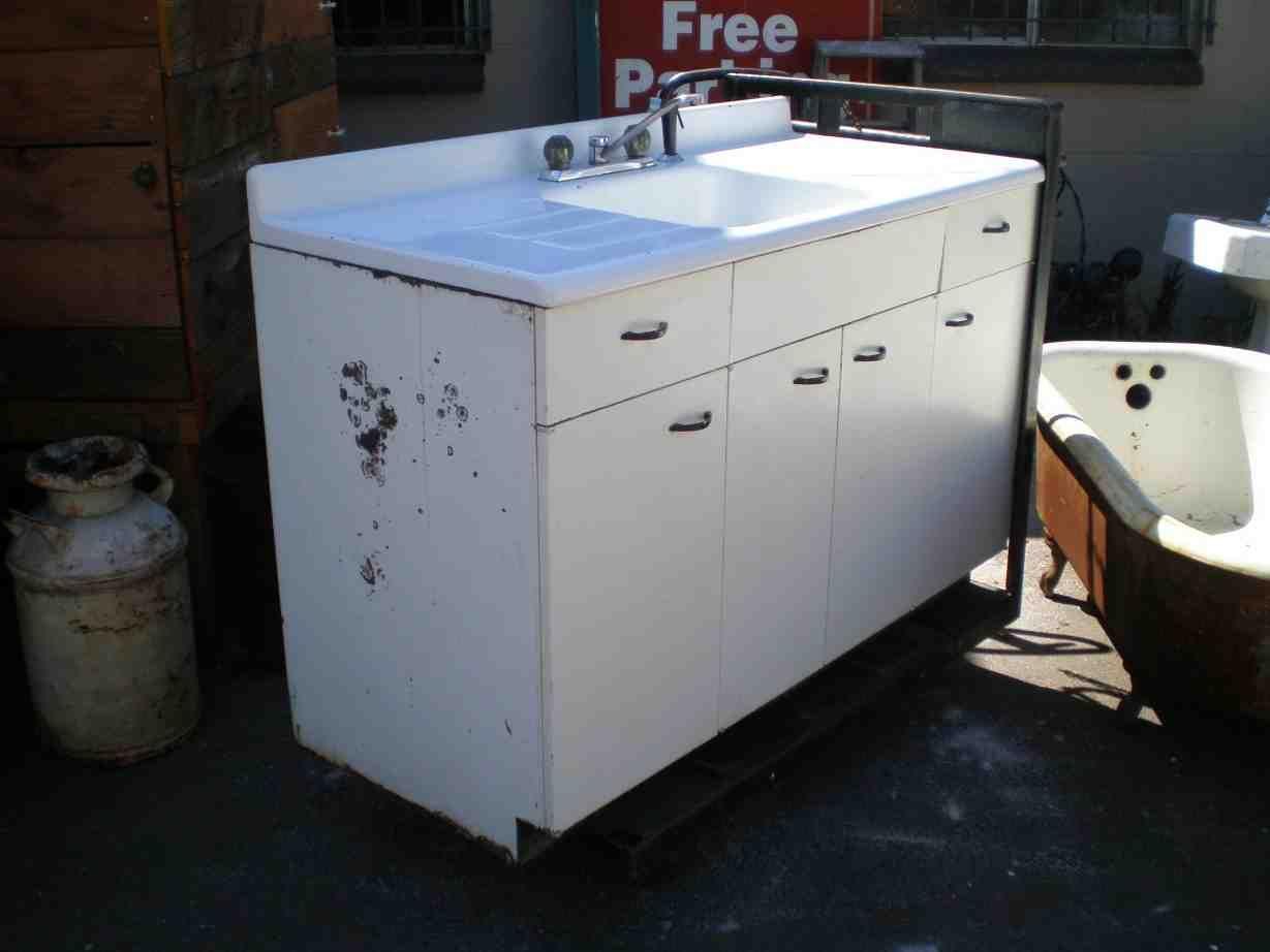 white kitchen base cabinets better base cabinets. Black Bedroom Furniture Sets. Home Design Ideas