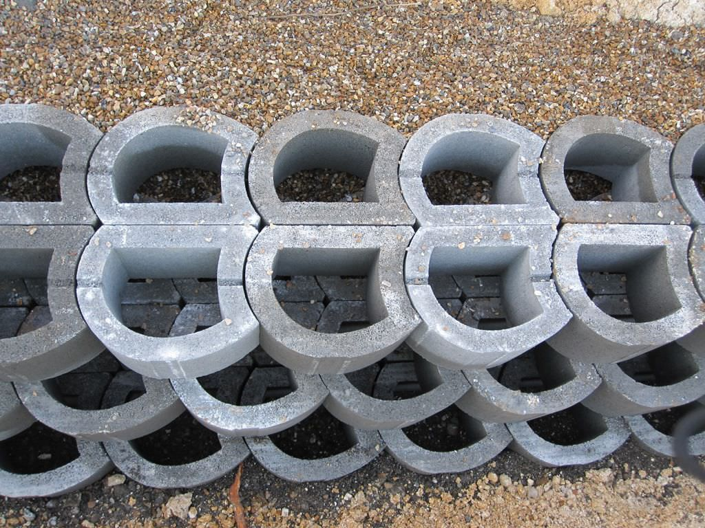 Hollow Concrete Block For Retaining Walls Exposed Lockstone Phi Group Concrete Blocks Retaining Wall Backyard Retaining Walls