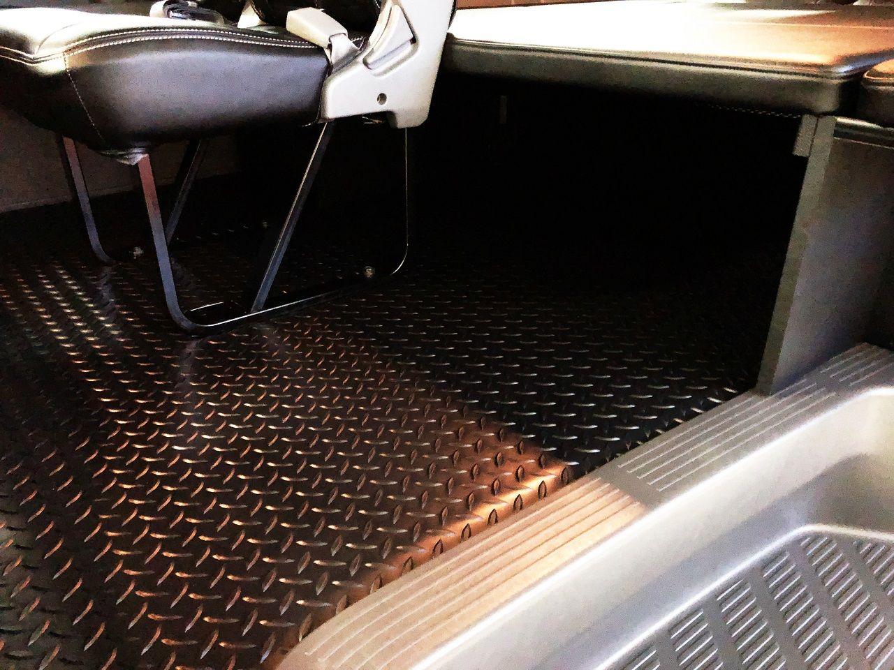 LINES:床貼りキット【PRO/ダイヤモンドブラック】 ハイエース, ルーフ, ドアハンドル