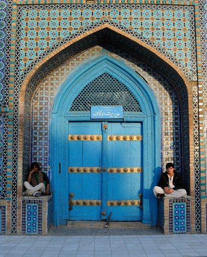 Blue Mosque Mazar I Shareef Blue Mosque Beautiful Mosques Islamic Architecture