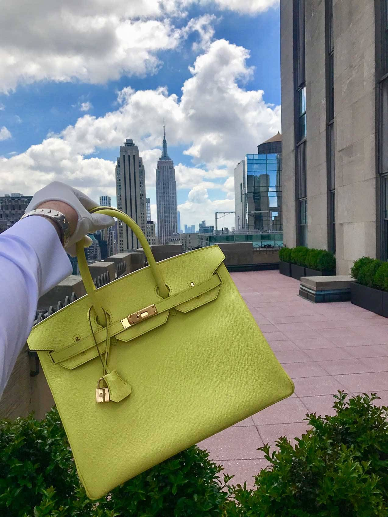 Let S Quiz You On Your Celebrity Handbag Trivia Have You Ever Seen A Celeb With A Beautiful Bag And Thought I Wish I Coul Celebrity Handbags Bags Fashion Bags