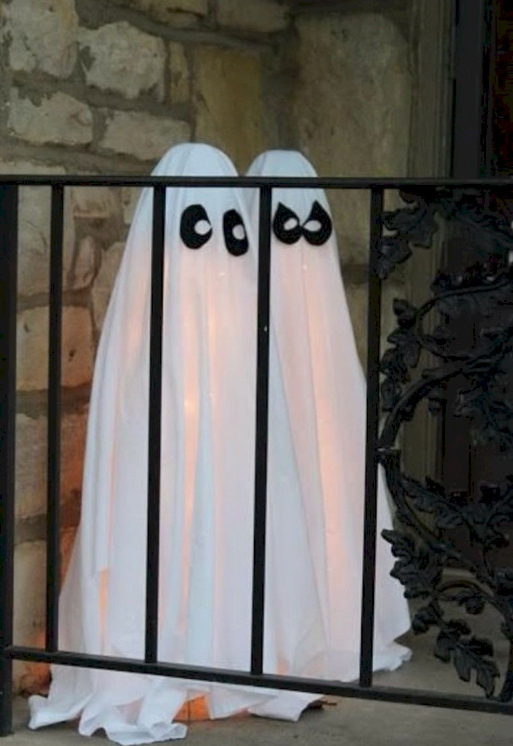 47 Easy Homemade Halloween Decor Ideas Homemade halloween - Inexpensive Halloween Decorations