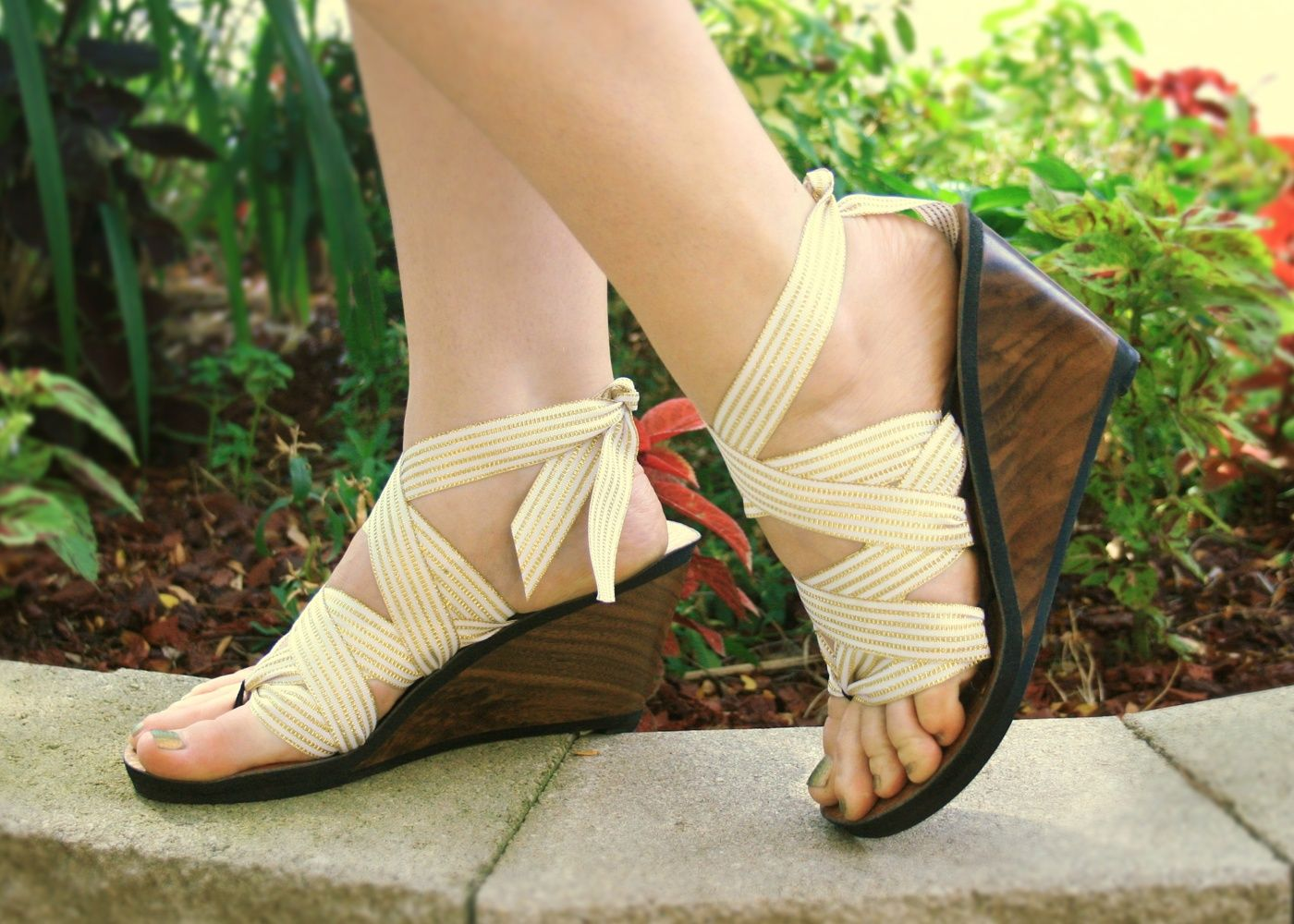 388f0f3cb1be1 High Walnut thong sandals. Carved from sustainably sourced walnut and come  with 5 sets of interchangeable ribbons. Eco-friendly