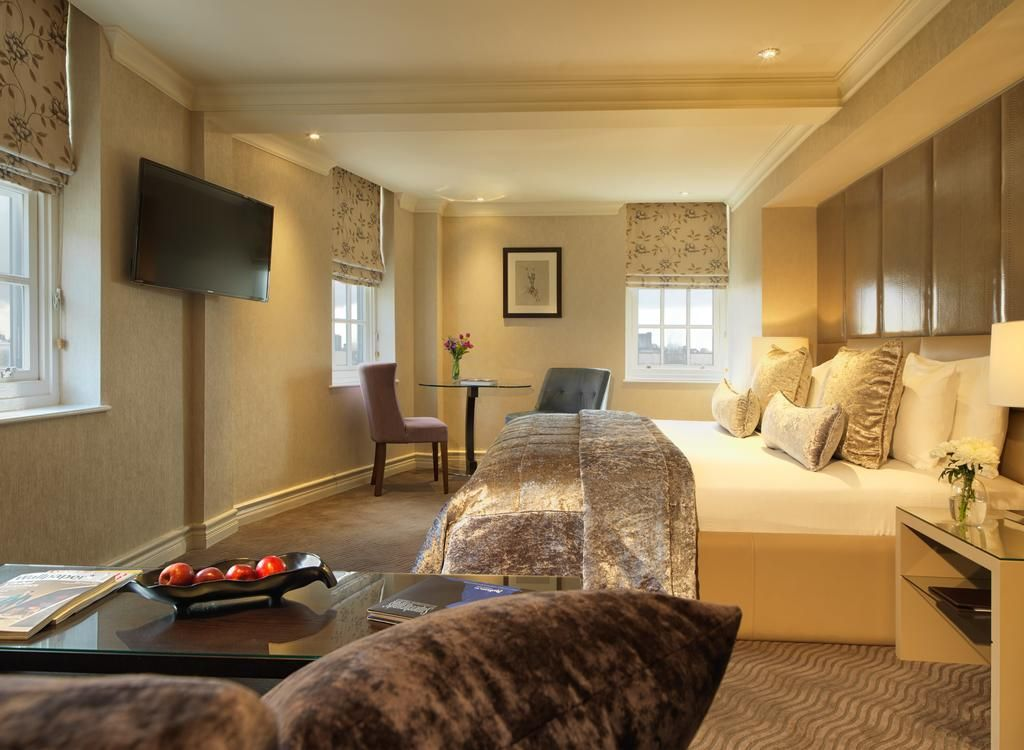 Guest Room At 5 Star Hotel Radisson Blu Edwardian Berkshire This S Address Is 350 Oxford Street London And Have 147 Rooms