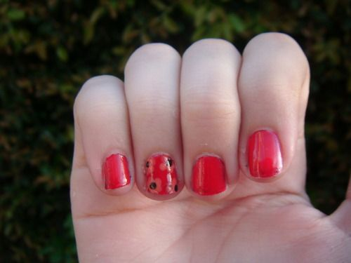 flower accent nail