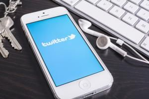 Why We Love Twitter for Blogging (and You Should, Too!)